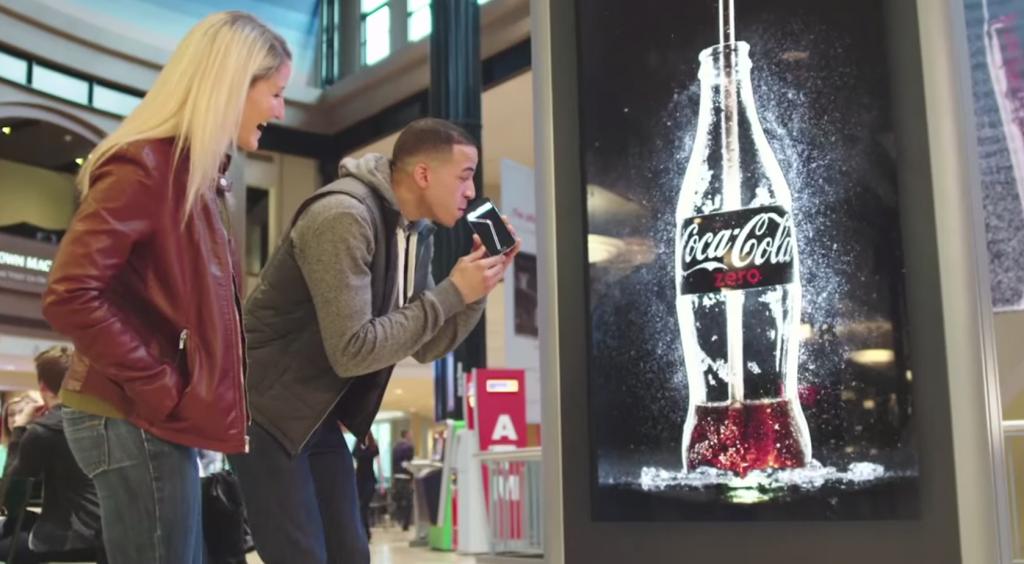 Quảng cáo Coca Cola được những bậc thầy làm thương hiệu thổi hồn như nào