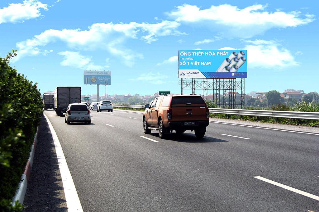 biển quảng cáo ngoài trời tại đường cao tốc