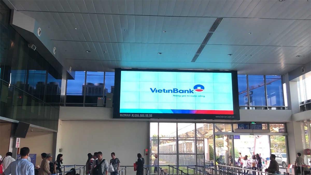 Quảng cáo màn hình sân bay ở Tân Sân Nhất