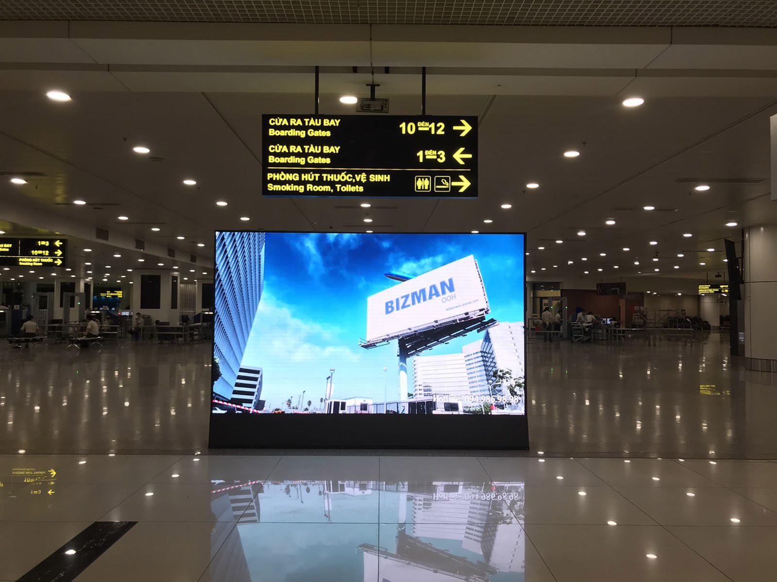 Bộ nhận diện thương hiệu bằng màn hình sân bay