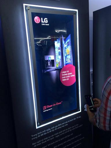 hộp đèn quảng cáo LG